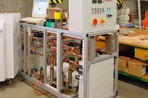 HiL-Prüfstand für ein vorheriges Projekt mit Wärmepumpen (Quelle: FH Düsseldorf, Fachbereich Maschinenbau und Verfahrenstechnik, Arbeitsgruppe E²)<br />