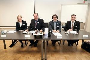 Vertriebspartner (v.l.n.r.): Christina Kaut und Hans-Alfred Kaut (Geschäftsführung Kaut), Enrique Vilamitjana und Andreas Gelbke (Panasonic)