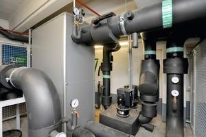 Die hydraulische Trennung übernimmt ein Platten-Wärmeübertrager mit einer Leistung von 1720 kW<br />