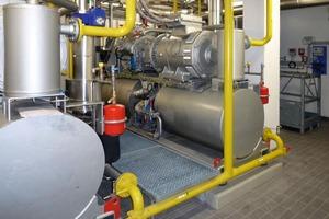 Im Maschinenraum kommen zwei Sabroe-Kolbenverdichter zum Einsatz. Bereits mit einer Maschine können bis zu 80 % des Bedarfs abgedeckt werden<br />