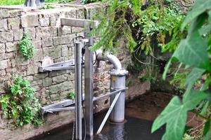 Entnahmestelle für das Flusswasser: Etwa zehn Liter Flusswasser werden hier pro Sekunde mit einer Tauchpumpe entnommen.