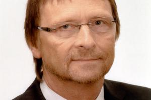 "<div class=""bildtitel"">Günther Mertz</div>"