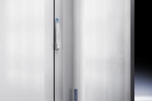 Die Luft-Wasser-Wärmetauscher von Rittal führen die Wärme aus dem Schaltschrank über das Kühlwasser ab<br />