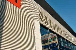 Die Halle 11 der Messe Frankfurt ist für eine variable Nutzung ausgelegt; drehzahlgeregelte Pumpen passen die Förderleistungen automatisch den wechselnden Lastfällen an und halten damit die Betriebskosten niedrig<br />