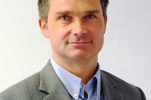 "<div class=""bildtitel"">Dr. Jens Lampert</div>"