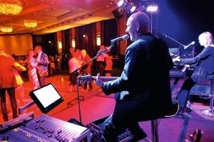 Zur späteren Stunde konnten die Teilnehmer zur Live-Musik das Tanzbein schwingen<br />