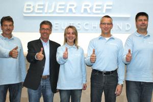 """<div class=""""bildtext"""">Thomas Thiele, Dr.-Ing. Mathias Schirmer (Niederlassungsleitung), Silvana Reinecke, Thomas Neumann, Uwe Scheibe (v.l.n.r.)</div>"""