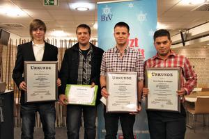 Die Prüfungsbesten (v.l.n.r.): Kevin Lorenz, Dennis Christ, Patrick Hohmann und Selcuk Konduoglu <br />