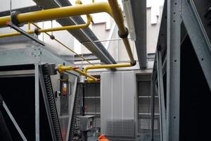 Für die direkte Verflüssigung befinden sich zwei Jäggi-Hybridkühler auf dem Dach des Ozeaneums<br />