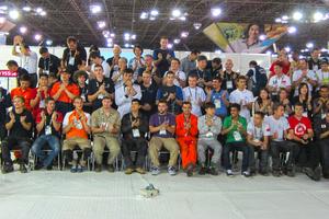 """<div class=""""bildtitel"""">Alle Teilnehmer und Experten mit Workshop-Managern des Bereichs Kälte- und Klimatechnik</div>"""